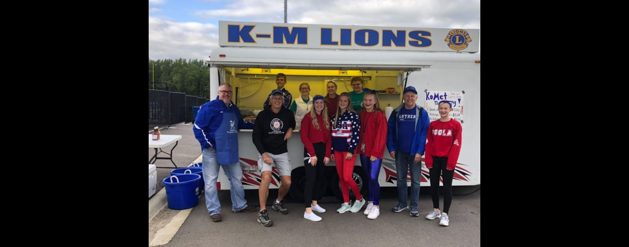 Photograph of FCCLA Leo Lions Tailgating